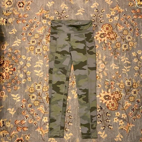 Ankle high dark green camo leggings